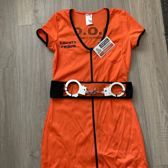 Women's prisoner  jumpsuit Halloween costume